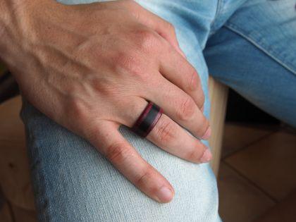 Ring ebony with amaranth