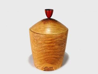 Walnut vase with cover N1